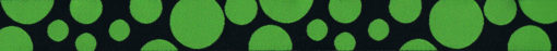 Grüne Punkte verschiedener Größe, teilweise durch den Bandrand nicht vollständig, auf schwarzem Untergrund