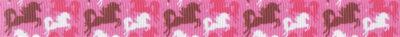 Springende weiße, rote und braune Einhörner auf pinkfarbenem Untergrund.