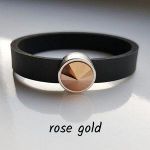 Armband aus Neopren mit metallisch rosagoldfarbenem Glaselement in Schiebeperle Zamak versilbert.