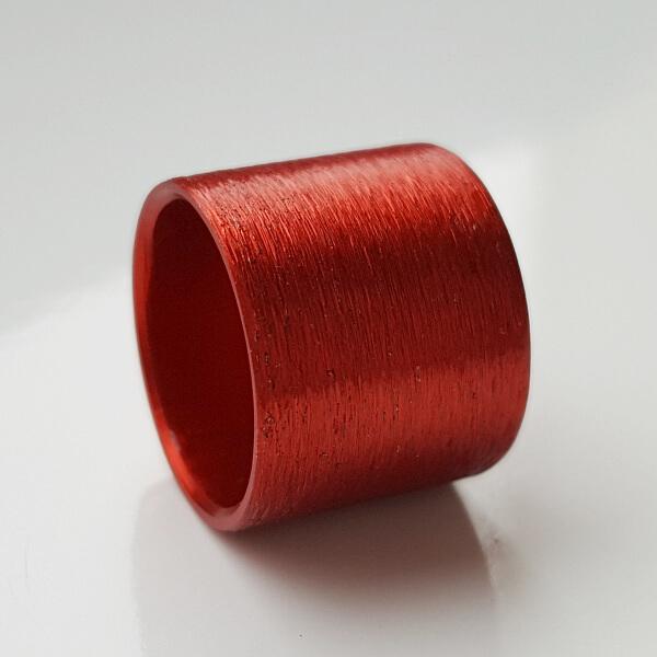 Rot eloxierte Aluminiumrolle.