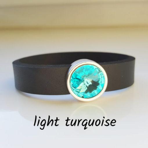 Armband aus Neopren mit hell türkisem Glaselement in Schiebeperle Zamak versilbert.