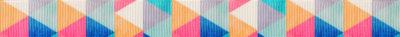 In hochgestellten Rechtecken wiederholen sich aneinanderliegende kleine Dreiecke in verschieden geordneten Farbvariationen.
