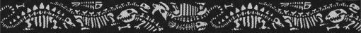 Silbergraue Dino-Skelette auf schwarzem Untergrund eingewebt.