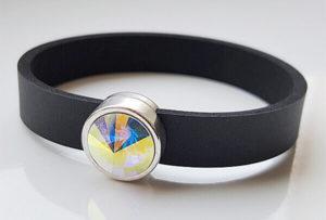 Neoprenband mit weiß-bläulich schillerdem Rivoli